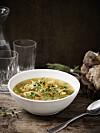 HØSTMAT: Supper forbindes ofte med høsten, og denne kyllingsuppa blir garantert en vinner rundt middagsbordet! Foto: MAGGI