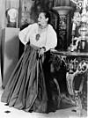 HELENA RUBINSTEIN: Helena Rubinstein elsket både ekte og uekte juveler. De ekte ga hun gjerne bort til journalister i håp om å få publisitet. FOTO: NTB Scanpix /Produsenten